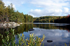 A picture of a peaceful, remote lake.